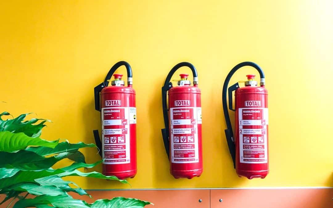 como utilizar o extintor de incêndio